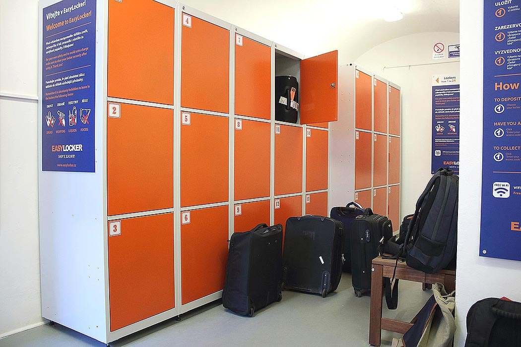 20_easy_locker_luggage_storage